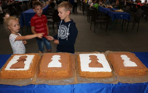 Праздничный торт на Кубке Черной пешки в Гродно.