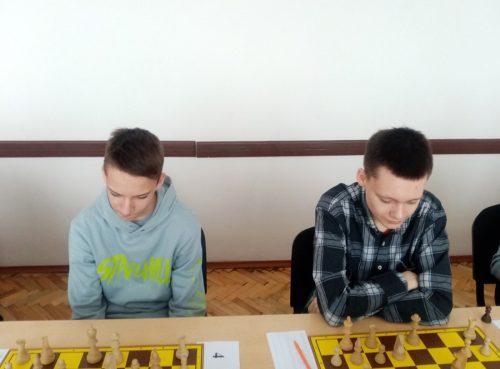 Играют Алексей Мельников и Андрей Карась